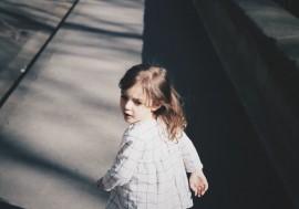 Quando meu filho conseguirá ir sozinho para a escola?