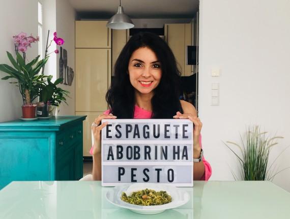 Espaguete de Abobrinha com Pesto Verde Crocante