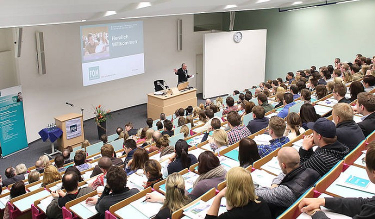 FOM Hochschule für Oekonomie & Management - University of Applied Sciences