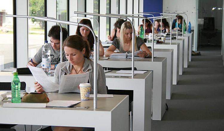 Hochschule für angewandte Wissenschaften Neu-Ulm
